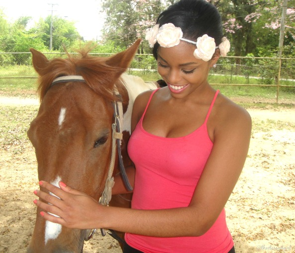 Shanice Adrina and le horsie