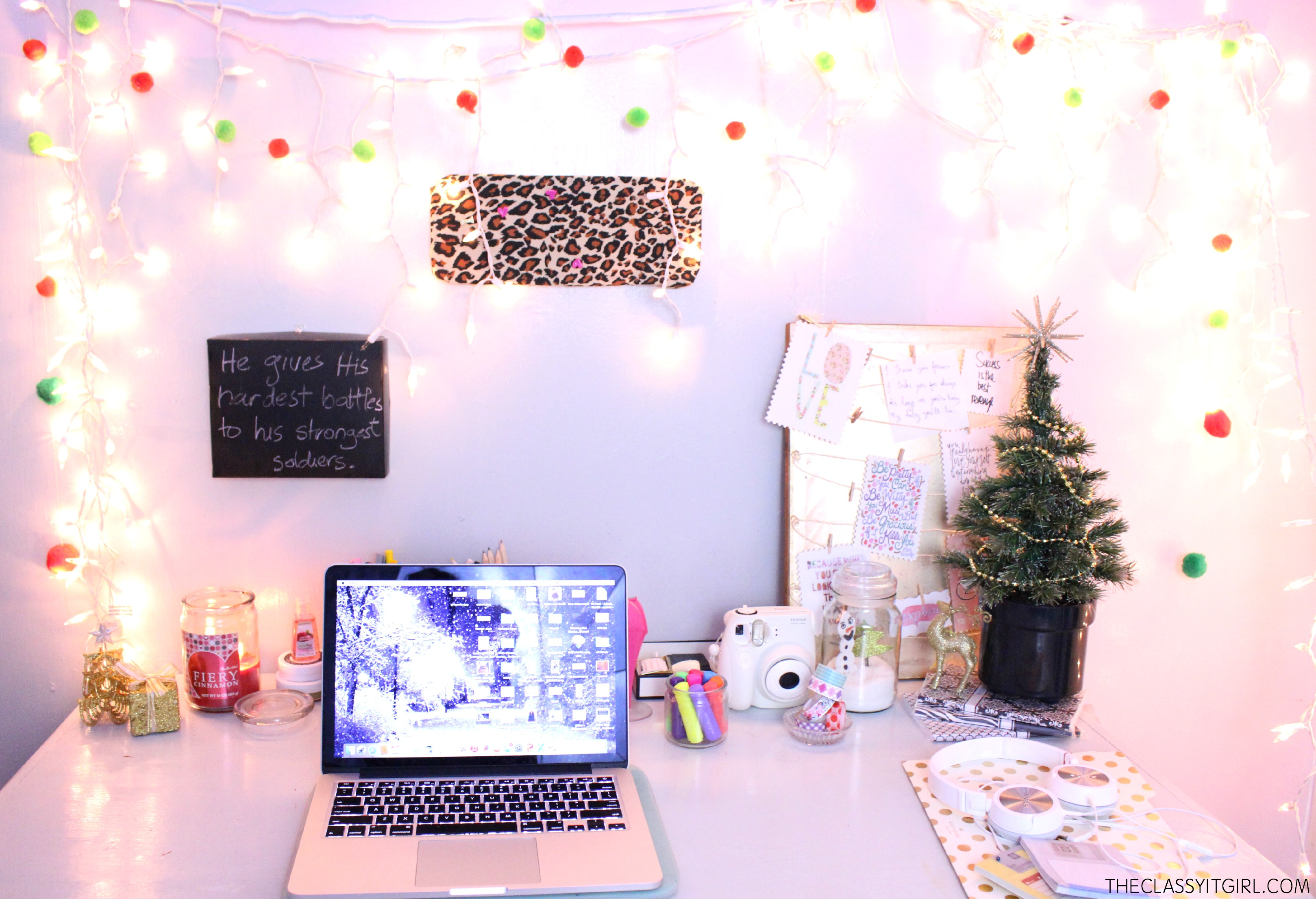 Diy christmas decor archives roxy james for Diy office accessories