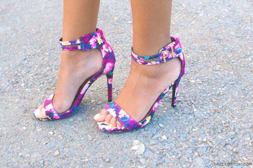 Obsessed with this floral print babies!